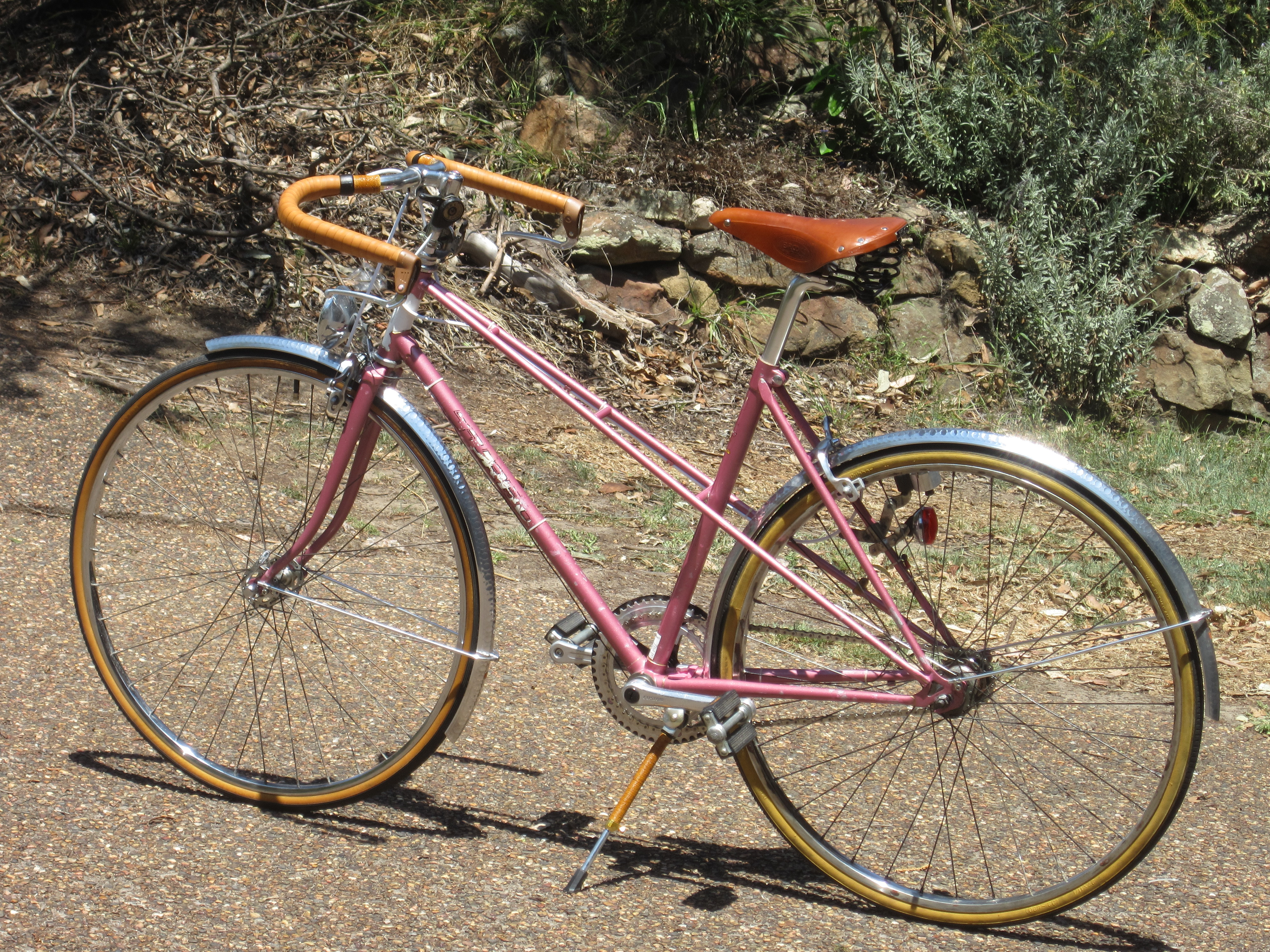 swoopy huh - Mixte Frame