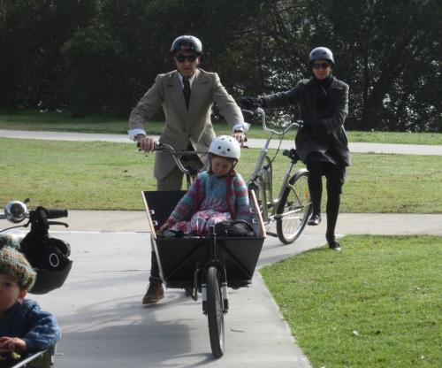 arrival and the dismount - islington park