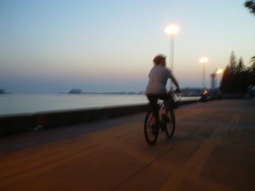 follow that bike !